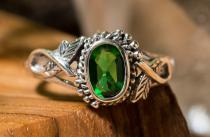 Zarter Damen Ring ~ LIÂNA ~ 0.8 cm - Elfenschmuck - Grüner Smaragd - Vintage Silber - Windalf.de