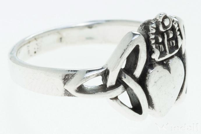 Solvar Ring