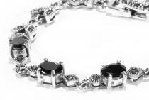 Vintage Mittelalter-Armkette ~ RAMIA ~ 17.5 cm - Schwarzer Kristall Freundschafts Armband - Silber - Windalf.de