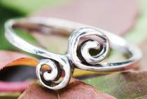 Zarter Damen Ring ~ IDUNA ~ Spirals - Silber - Windalf.de