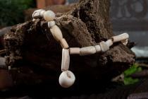 Antike Römische Halskette ~ THURAN ~ l: 56 cm - Weiße Perlen - Knochen - Windalf.de