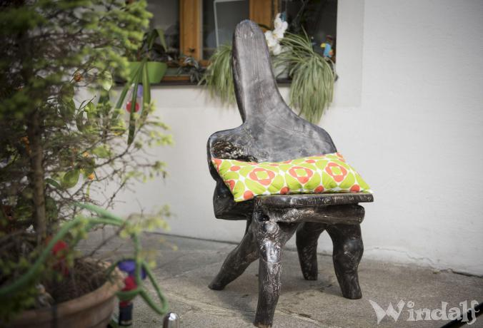 Schwarzer Hobbit Stuhl ~ AMORA ~ h: 111 cm - Handgearbeitetes Unikat - Windalf.de
