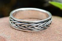 Wikinger Ring ~ WIRA ~ Flechtmuster - Drehring - Silber - Windalf.de