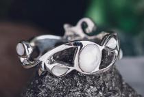 Zauberhafter Ring ~ ARISHA ~ h: 0.7 cm - Zartes Perlmutt - Silber - Windalf.de