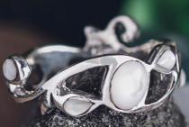 Zauberhafter Ring ~ ARISHA ~ 7 mm - Zartes Perlmutt - Silber - Windalf.de