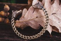 Damen Armreif mit Wolfskopf ~ ZORAN ~ Ø 5.2 cm - Wikinger Kriegerinnen Schmuck - Handarbeit aus Bronze - Windalf.de